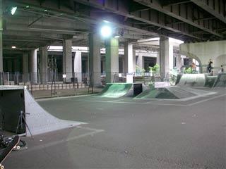 090517_IMGP6120_R新横浜公園スケボー広場.jpg