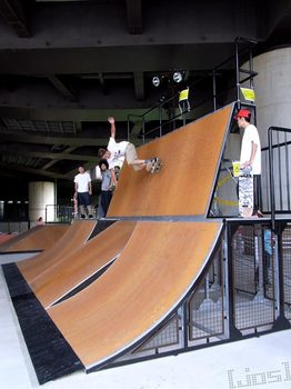 20100627_新横浜スケートパークRIMG0301.jpg