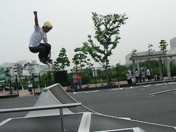 0607hide_mute.jpg